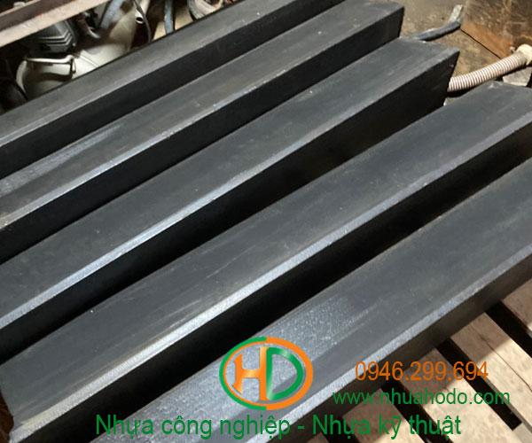 thanh nhựa HDPE chặn thép cuộn